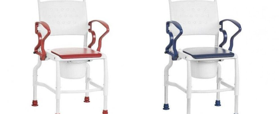 Commode Chairs