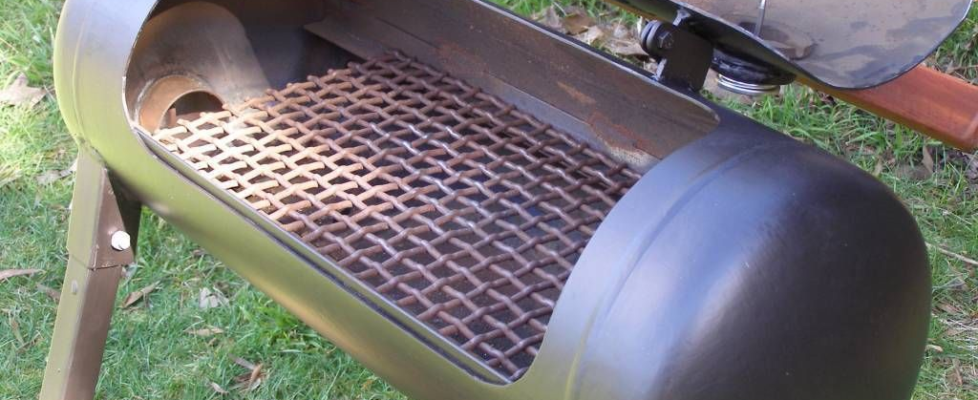 Offset smoker from old gas tanks