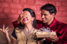 Gifts Ideas For Karwa Chauth