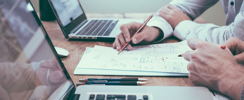 Should You Bring In A Consultant To Develop Your Business Plan